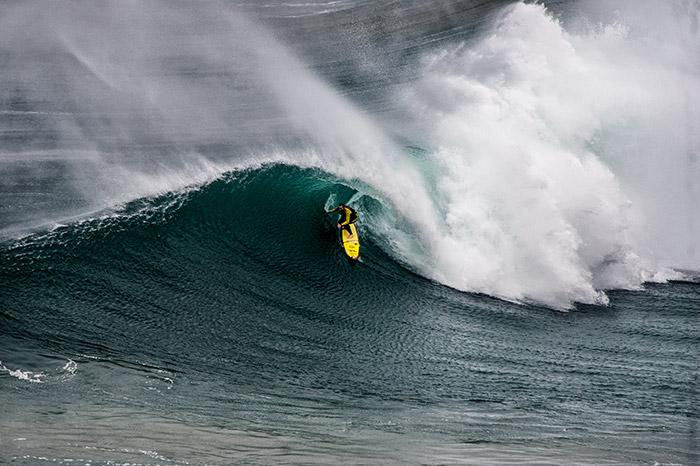 Garrett McNamara get a big wave barrel in Nazare